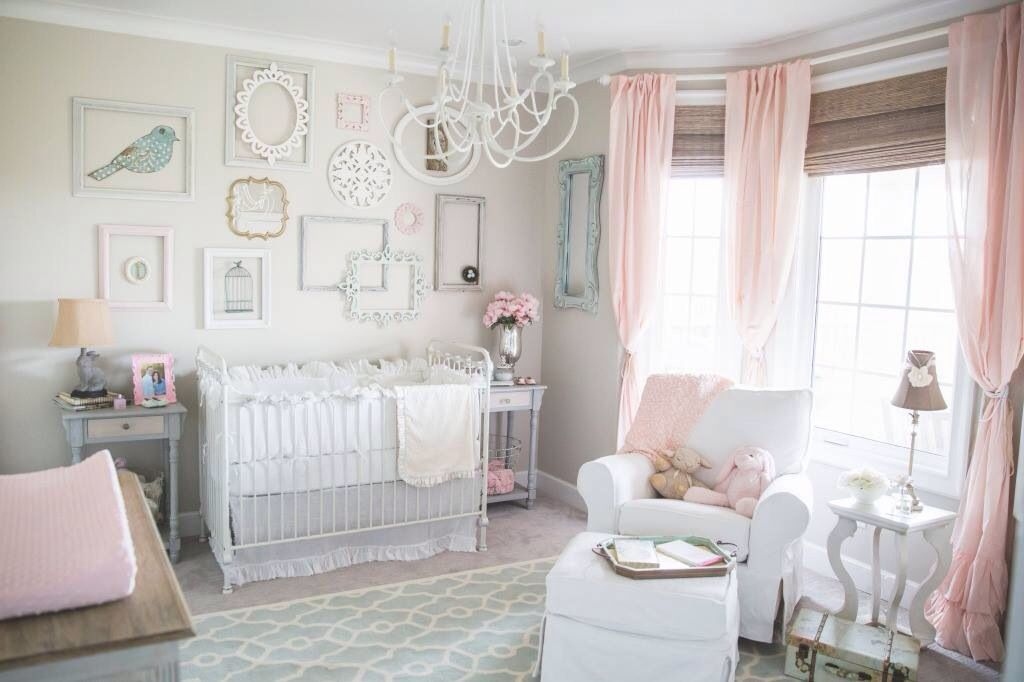 Nursery design. Love the empty picture frame art wall