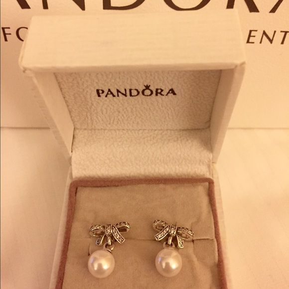3bd94ffaa Pandora Delicate Sentiments Earrings This listing is for a set of New &  Authentic Pandora