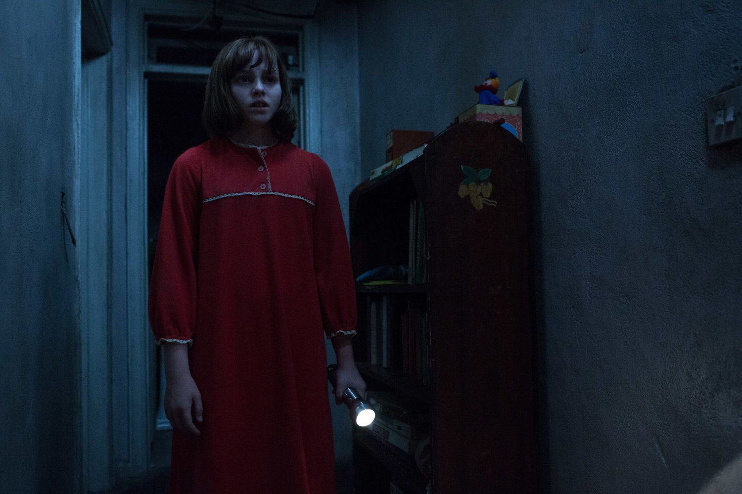 The Conjuring 2 Madison Wolfe Image 4 Movies In 2019 The