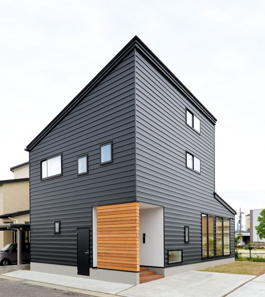 Modern Gray Exterior With Steel Beams: THIS!!! Dark Grey Upper SIDING With Clean Crown At ROOF