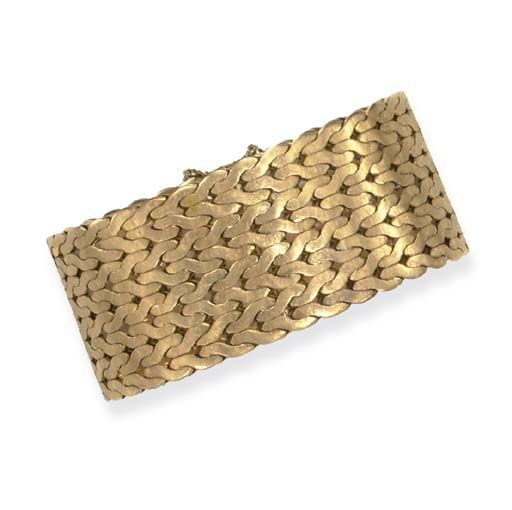 A GOLD BRACELET, BY MARIO BUCCELLATI