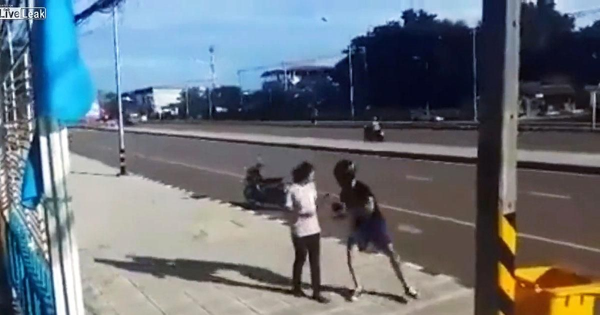 SEE IT: Woman in China gets her revenge on man who grabs her handbag — by stealing his motorbike