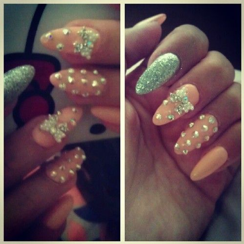 Stiletto Nail Art With Diamonds: Stiletto Nails With Crosses