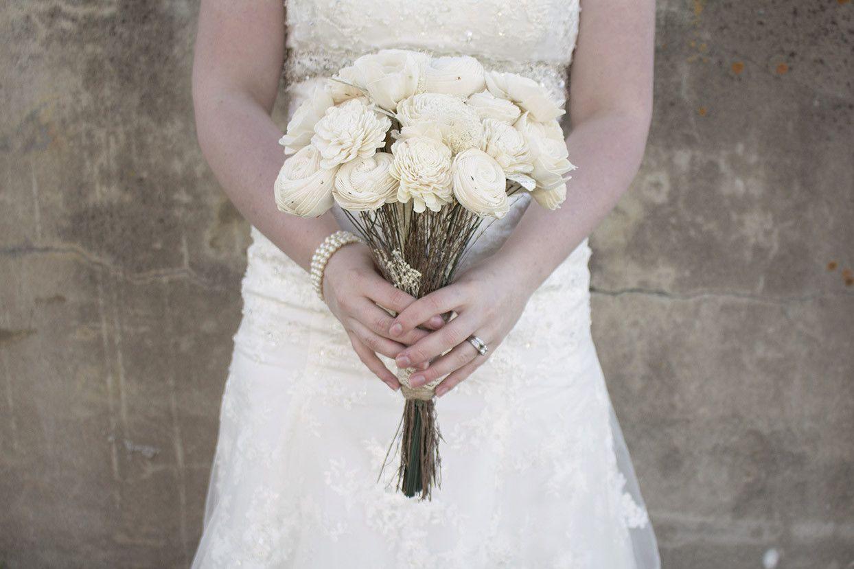 One color bridal bouquet wedding ideas pinterest bridal one color bridal bouquet izmirmasajfo
