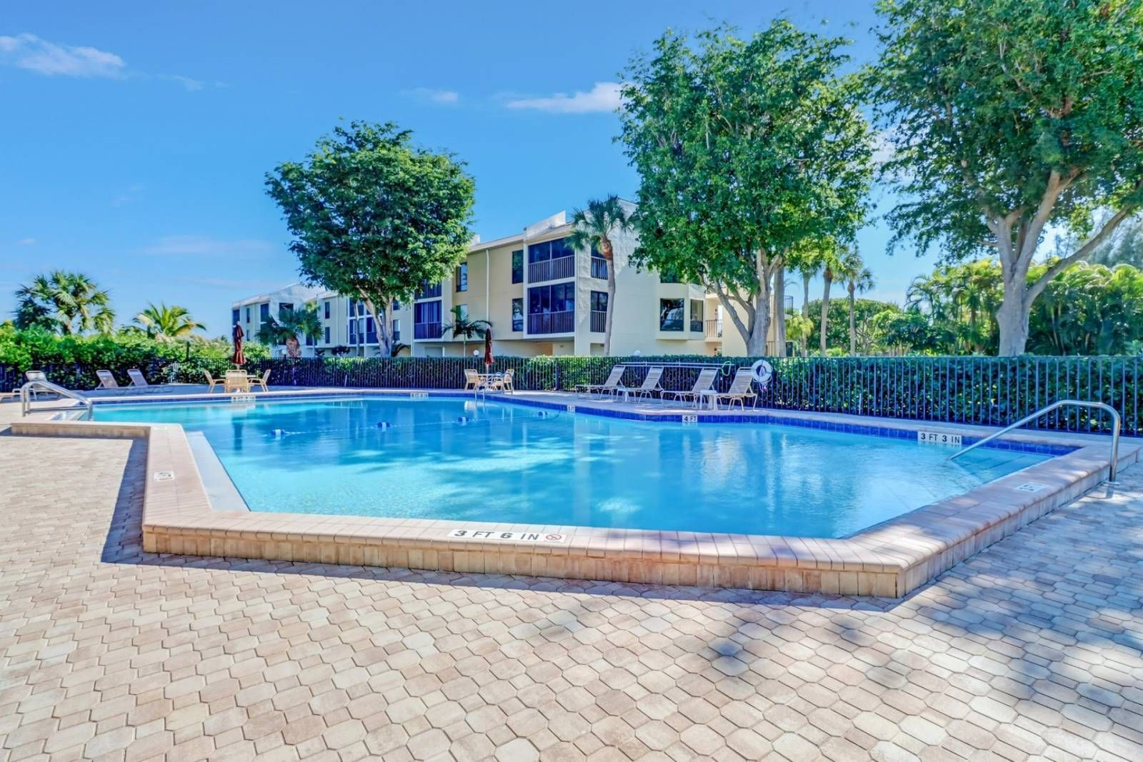 Fort Myers Beach Vacation Rental In 2021 Beach Vacation Rentals Fort Myers Beach Fort Myers