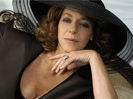 "claudia di girolamo, actriz protagonista de memorables teleseries chilenas tales como "" la doña"""