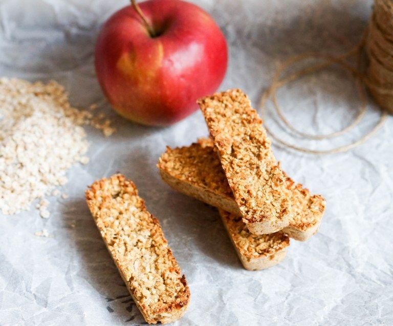 Gebackene Apfelmus Müsliriegel - FoodForFamily