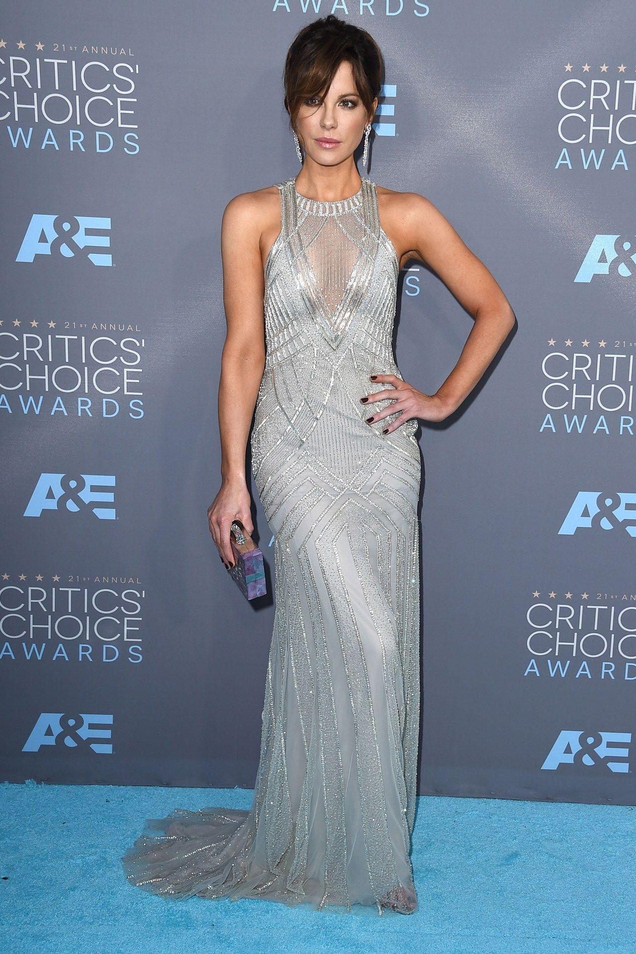 Kate Beckinsale wore a Monique Lhuillier gown with a Kotur clutch.