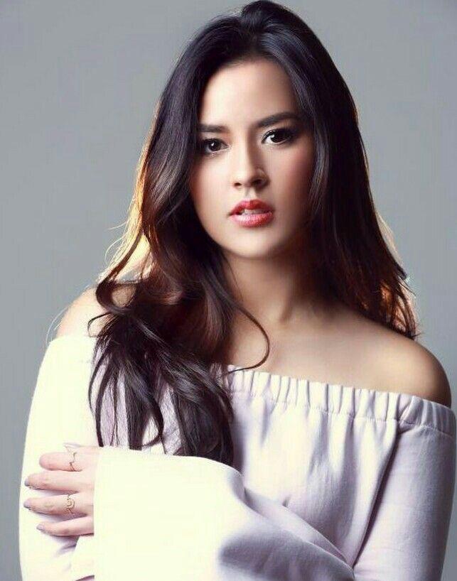 Raisa~Indonesian Actress and Singer. | Selebriti, Wanita cantik, Aktris