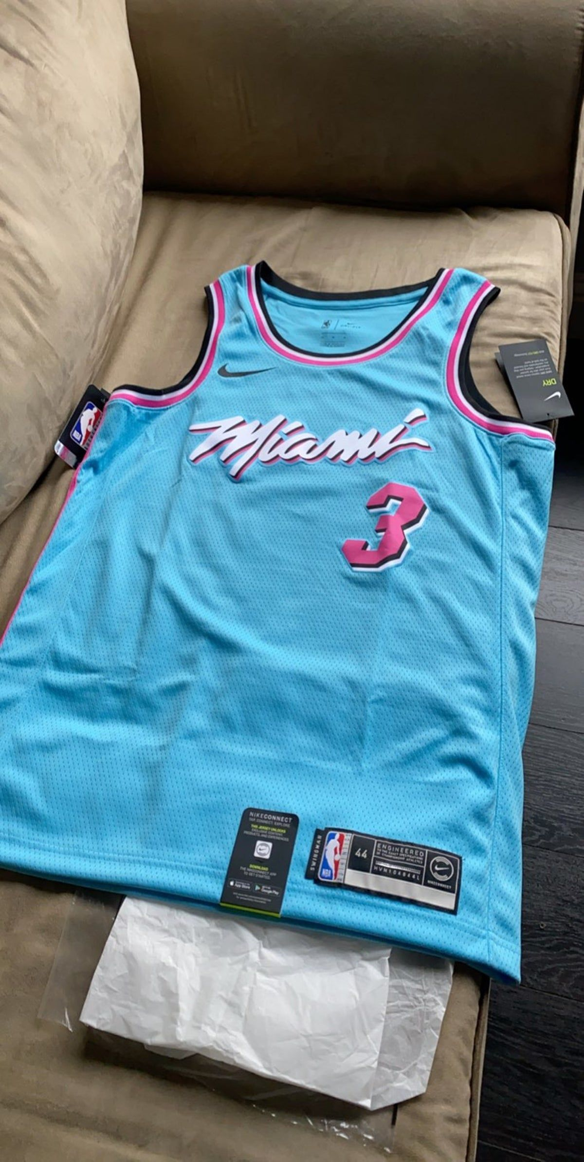 Miami Heat Vice Wave City Jersey Wade In 2020 Nba Jersey Outfit Miami Heat Mens Outfits