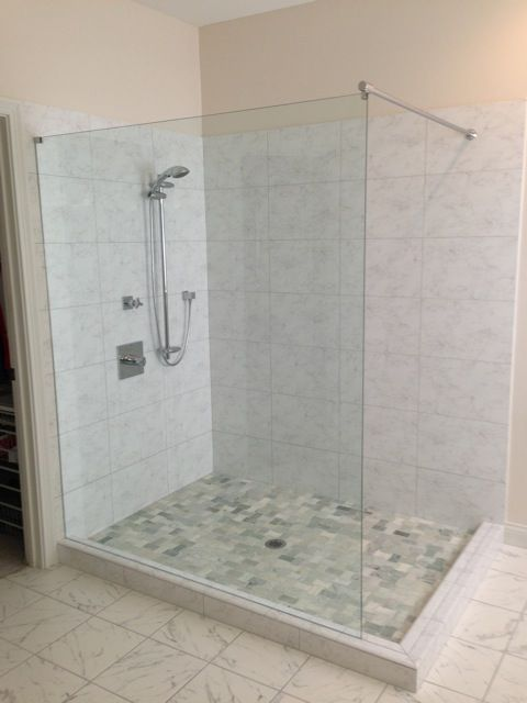 This Enormous Shower Is Crisp And Clean With The Lighter Tile And Nice Contract With The Shower Floor Additionally With Images Shower Floor Tile Shower Floor Glass Shower