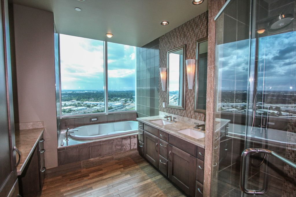 Luxurious High Rise On 22nd Floor Of Houston S 4 Star Westin Memorial City Hotel