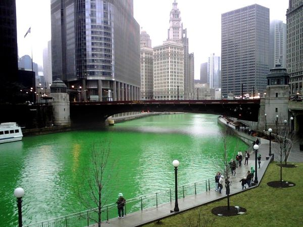 Top of the morning to you!  Hey, you look like you could use a cool green one.   #Chicago clarkgriswold