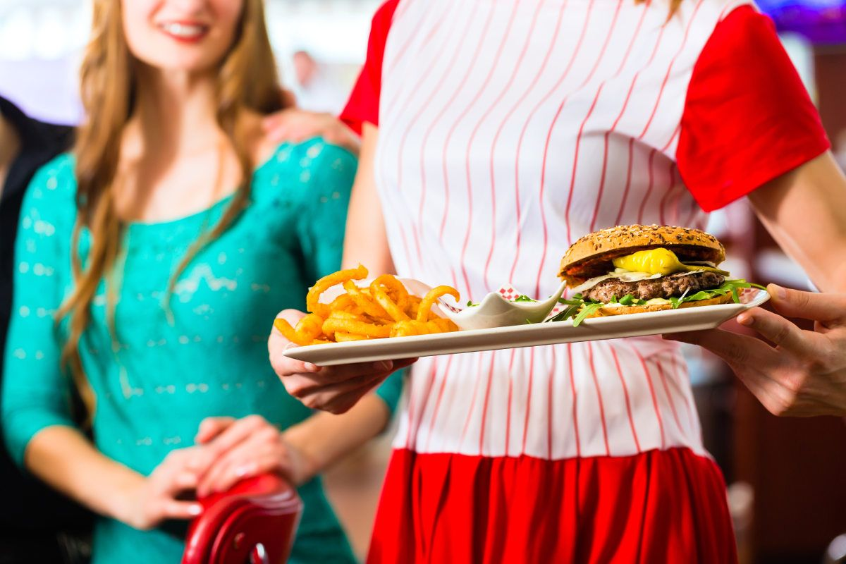 Coast to Coast Offers New Jobs in North Staffordshire.  Coast to Coast, an American-styled restaurant, will offer 65 new jobs in North Staffordshire.  A restaurant that specialises in American food has revealed plans to open a new location in Stoke-on-Trent's intu Potteries Centre. Coast to Coast ...