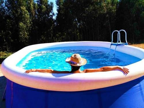 Chões Mountain Spirit Vila Verde dos Francos Located in Vila Verde dos Francos, 49 km from Nazaré, Chões Mountain Spirit features an outdoor pool and year-round outdoor pool. Sintra is 47 km from the property.