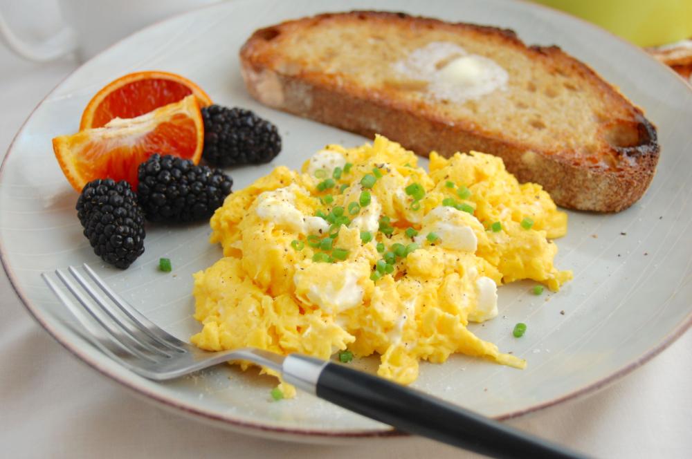 Scrambled Eggs For A Crowd Kylie Walker Recipe Brunch Recipes Recipes Scrambled Eggs