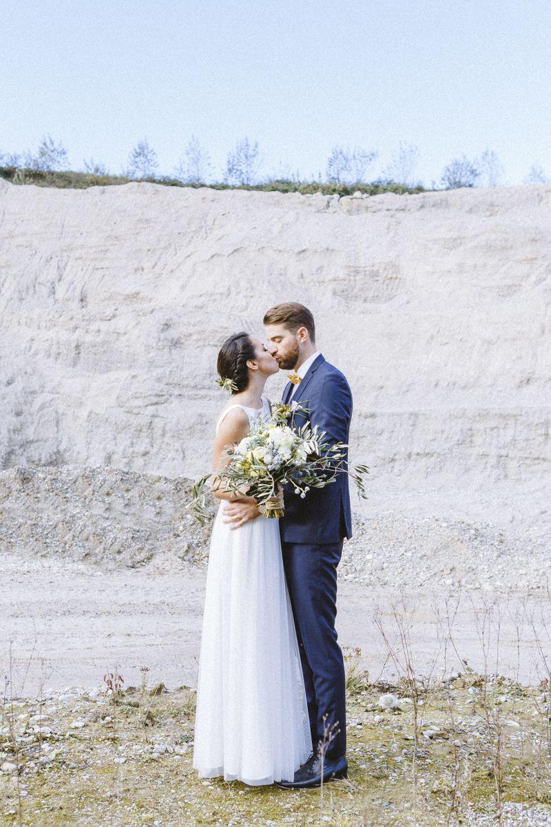 Frühlingshafte Hochzeitsinspirationen in Gelb und Olivgrün ...