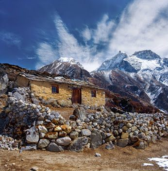 Stone cabin in along the trail to Mount Everest Base Camp, Nepal Himalayas