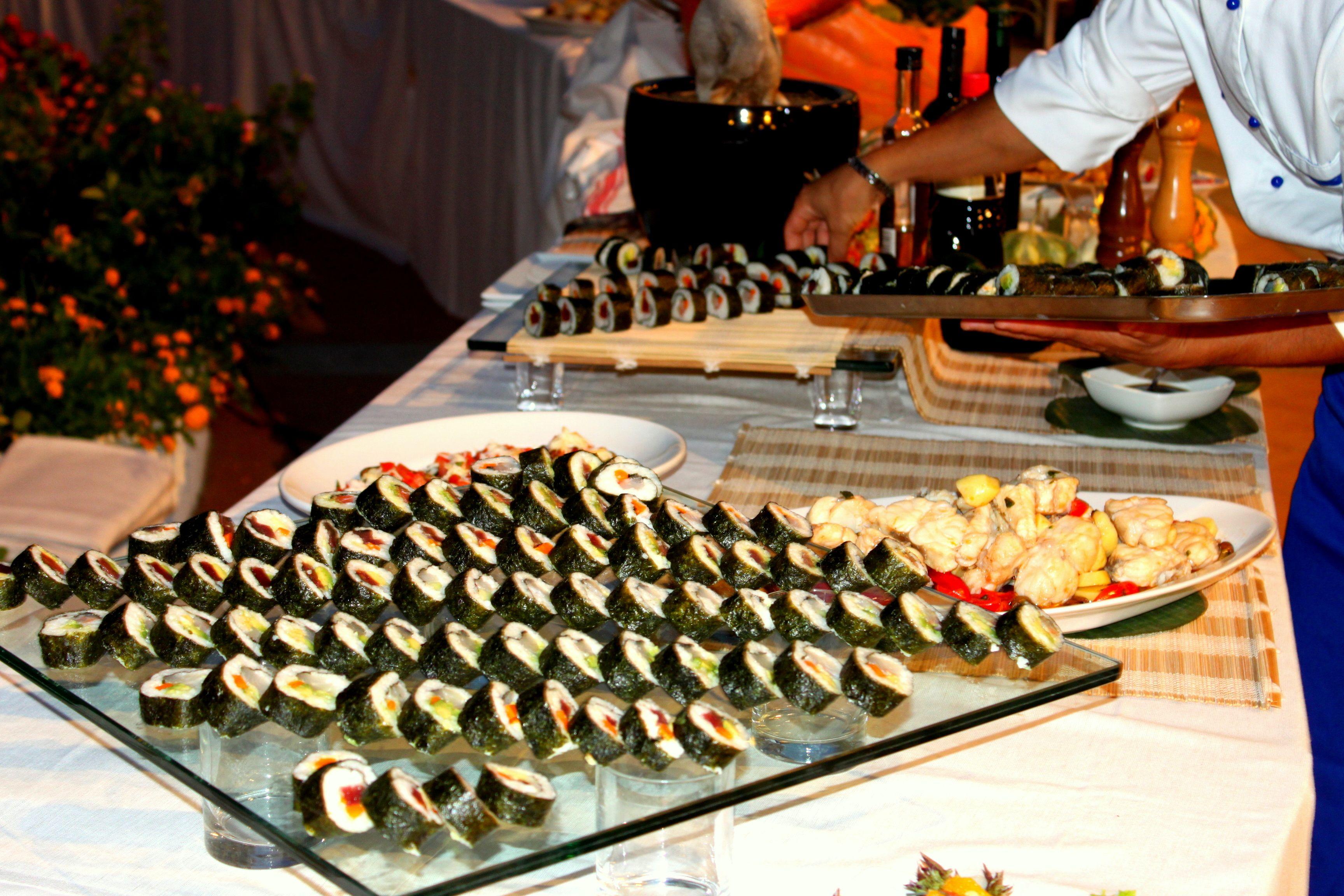 Decorazioni Buffet Ferragosto : Sushi ferragosto in sardegna sushi