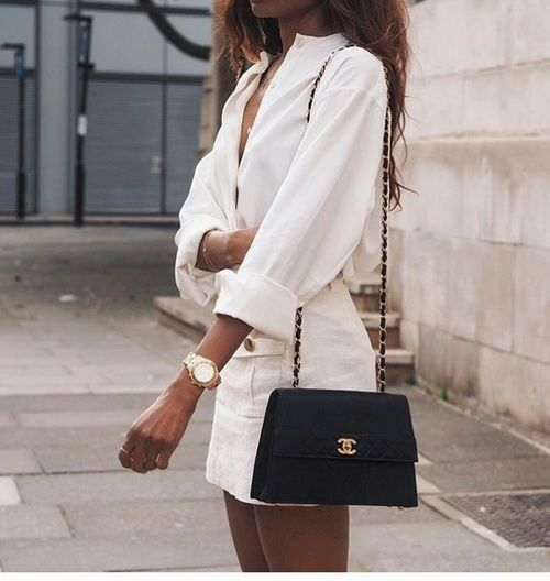 Bag | Black bag | Designer bag | Chanel | Shoulder bag | White outfit | Black and white | Classy look | Watch | White blouse | White skirt | Street style | Zwarte tas | Schoudertas | Designertas | Witte blouse | Witte rok | Inspiration | More on Fashionchick #designofblouse
