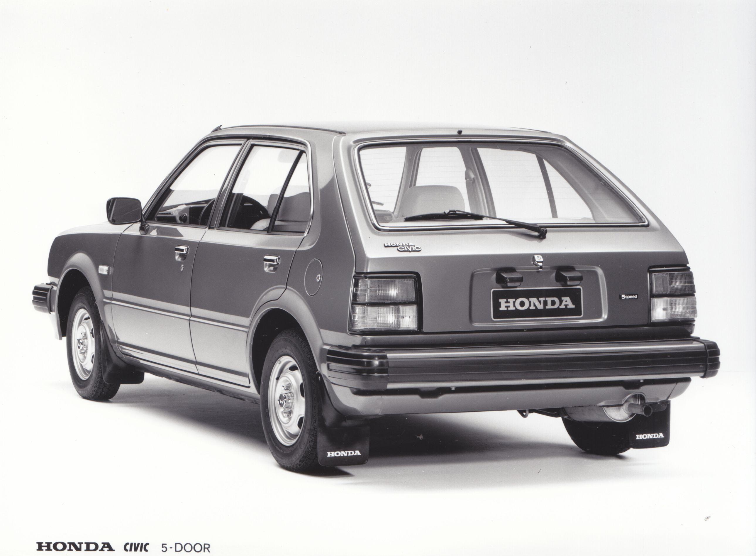 Honda Civic generation II 5-door (Japanese factory issued press photo, 1980)