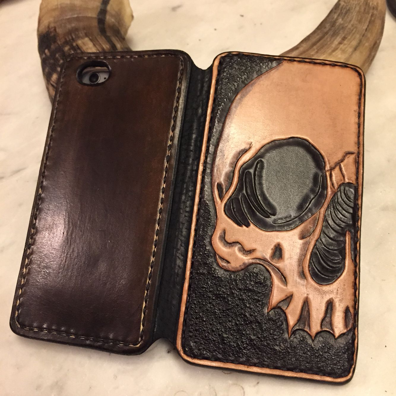 iPhone 6 case made by biteleather.com