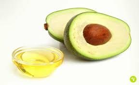AMARE se stessi vuol dire prendersi cura di sè seriamente. L'Olio di Avocado   é eccellente per l'elasticità della pelle, é emoliente e garantisce un'azione efficace antinvecchiamento.