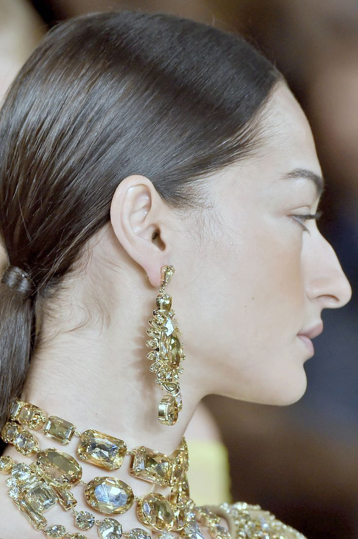 Gorgeous profile | Big nose beauty, Haircuts for big noses ...