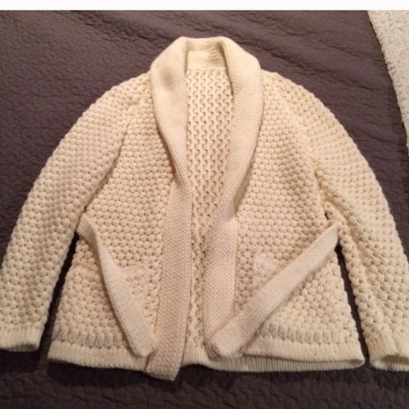 Amazing grandpa sweater This beautiful sweater is so perfect to throw on in any occasion! It's cozy and warm and extremely well made. No tags, no brand. Sweaters