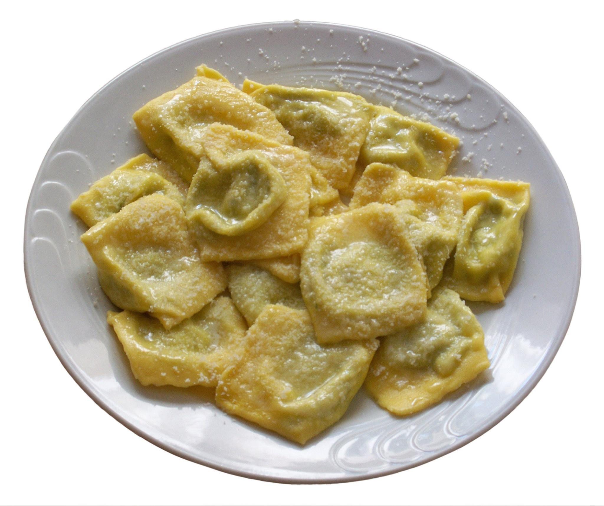 tortelli di erbette piatto tipico di parma rettangoli di pasta ... - Cucinare Erbette