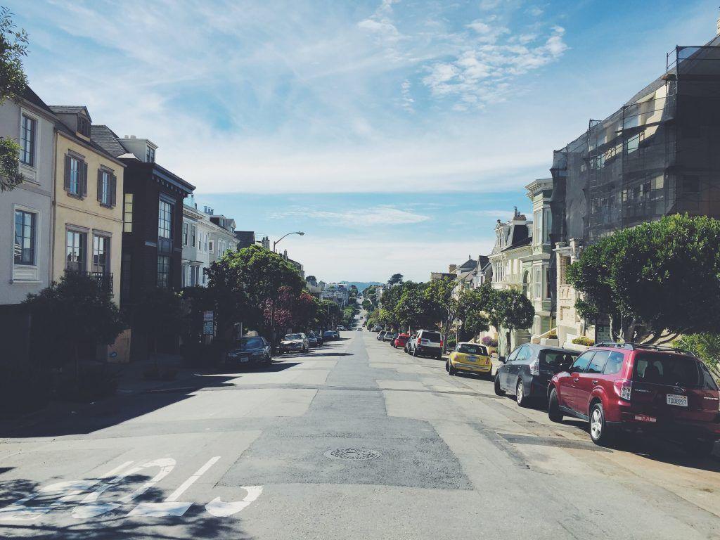 Download this free photo here www.picmelon.com #freestockphoto #freephoto #freebie /// Street in Summer | picmelon