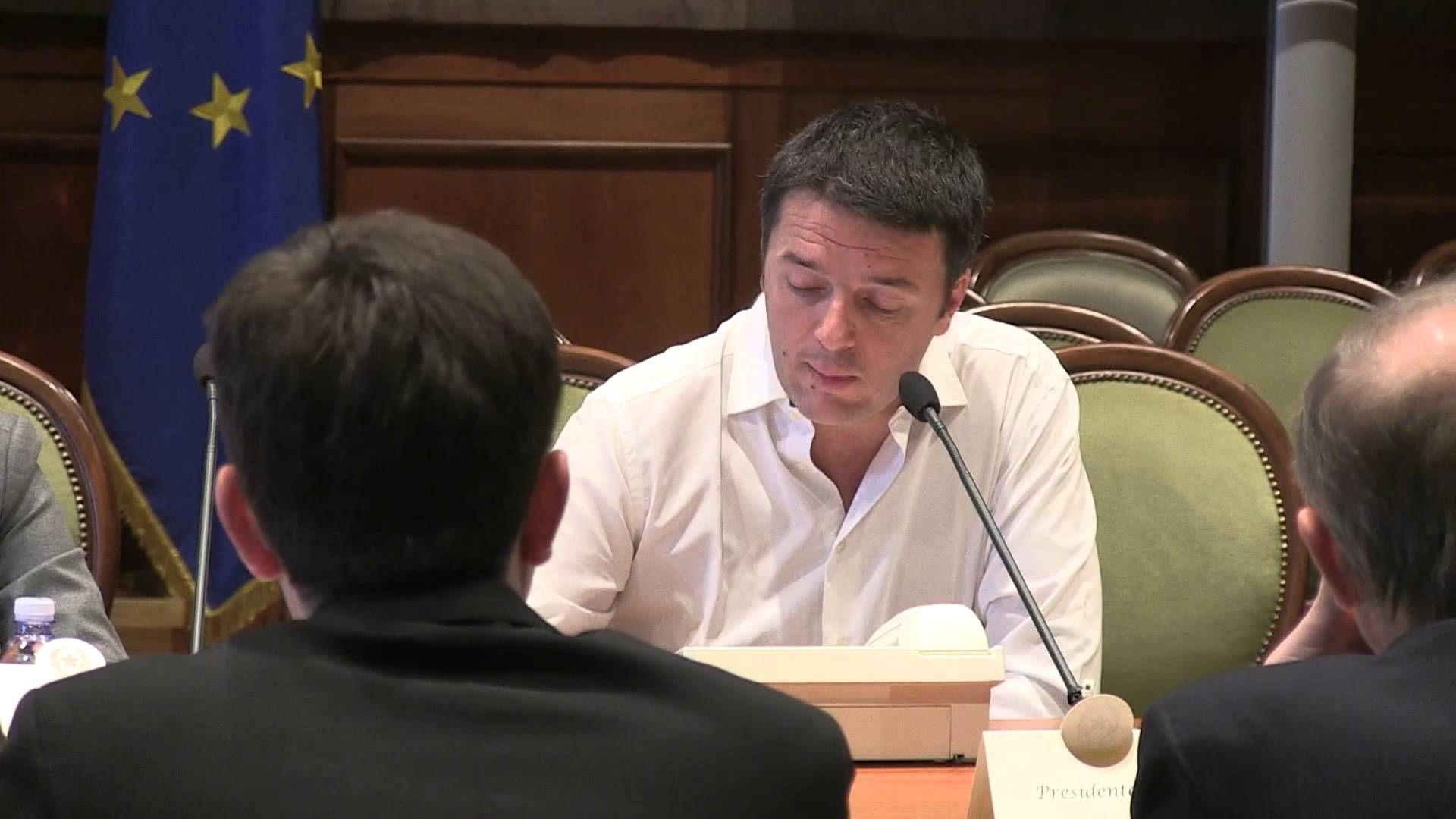 Riforme: Renzi, Boschi e Delrio incontrano il presidente dell'Anci (+pla...