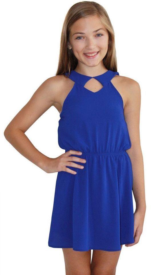 ab982a494fa34 Mezuniyet Elbise Modelleri Saks Mavi Kısa Kloş Etek Kolsuz Belden Büzgülü