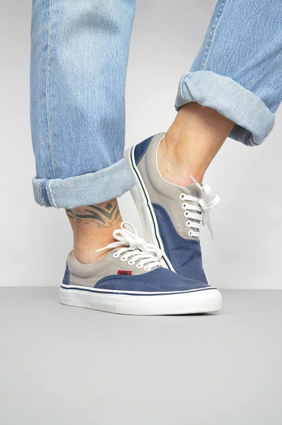 11e4751626 Vintage 90s Vans Navy   Grey Skate Shoes. Label Size UK 7 EU 40.5 US Mens 8 Womens  9 cm 26. Look great with skinnies! Excellent vintage condition.