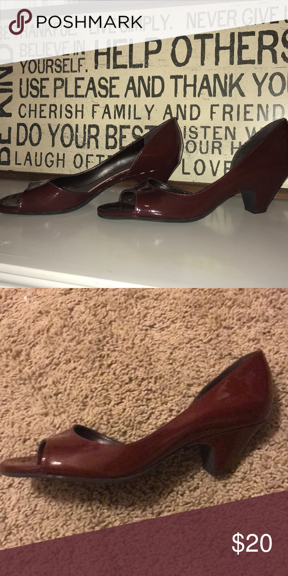 b54f922471b6 Dark ruby heel OFFERS SO WELCOME Sleek look to it with a peep toe. No  damage