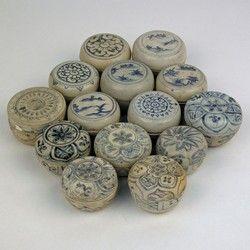 16th century Vietnamese Porcelain covered Jars  | JARLETS
