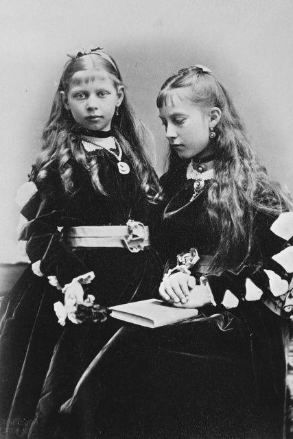 queenvictoriasfamily:  Charlotte and Viktoria of Prussia
