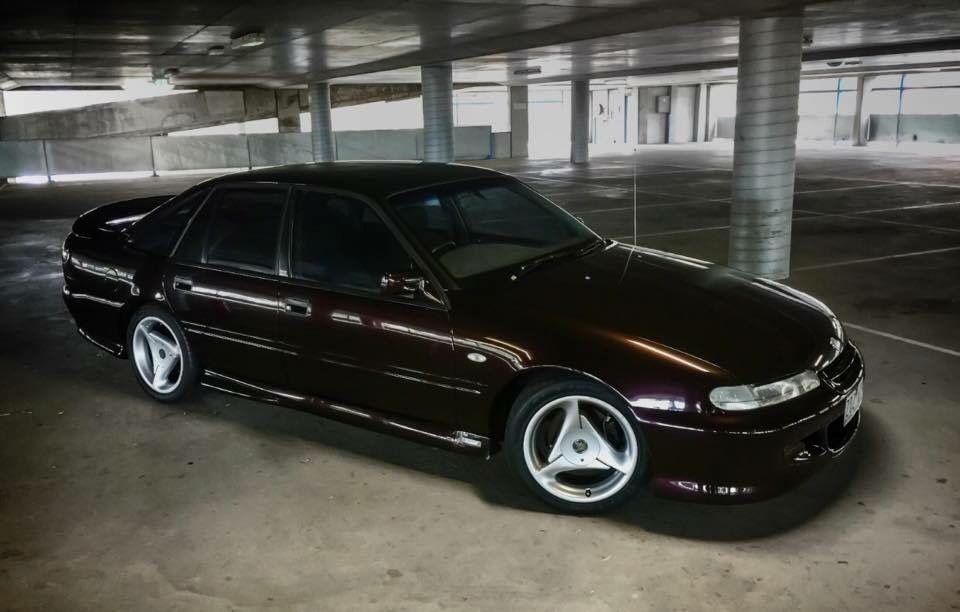 VS Clubby Cherry Black Australian cars, Holden australia