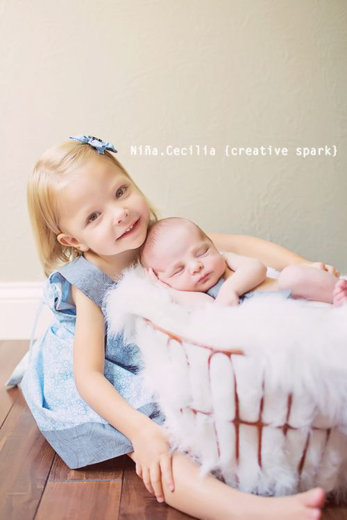 Newborn photography poses sibling baby