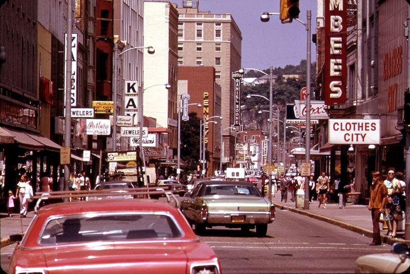 Capitol Street in 1970, Looking North. Charleston WV