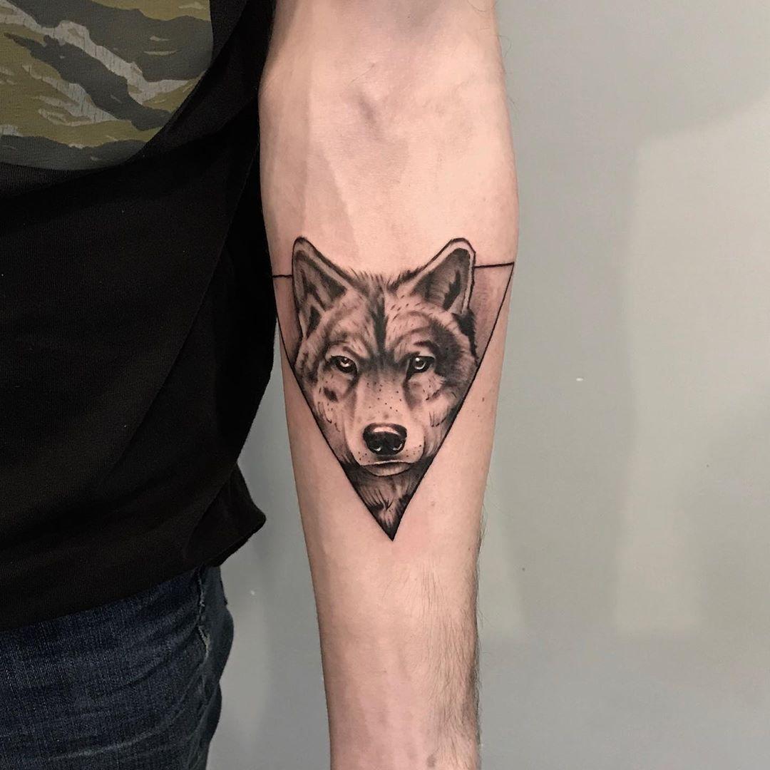Smalltattoo Tinytattoo Blackwork Realism Realismtattoo Wolf Wolftattoo Blackworktattoo Tattoo Tattoomodel T Land Tattoos Blackwork Tattoo Armtattoos