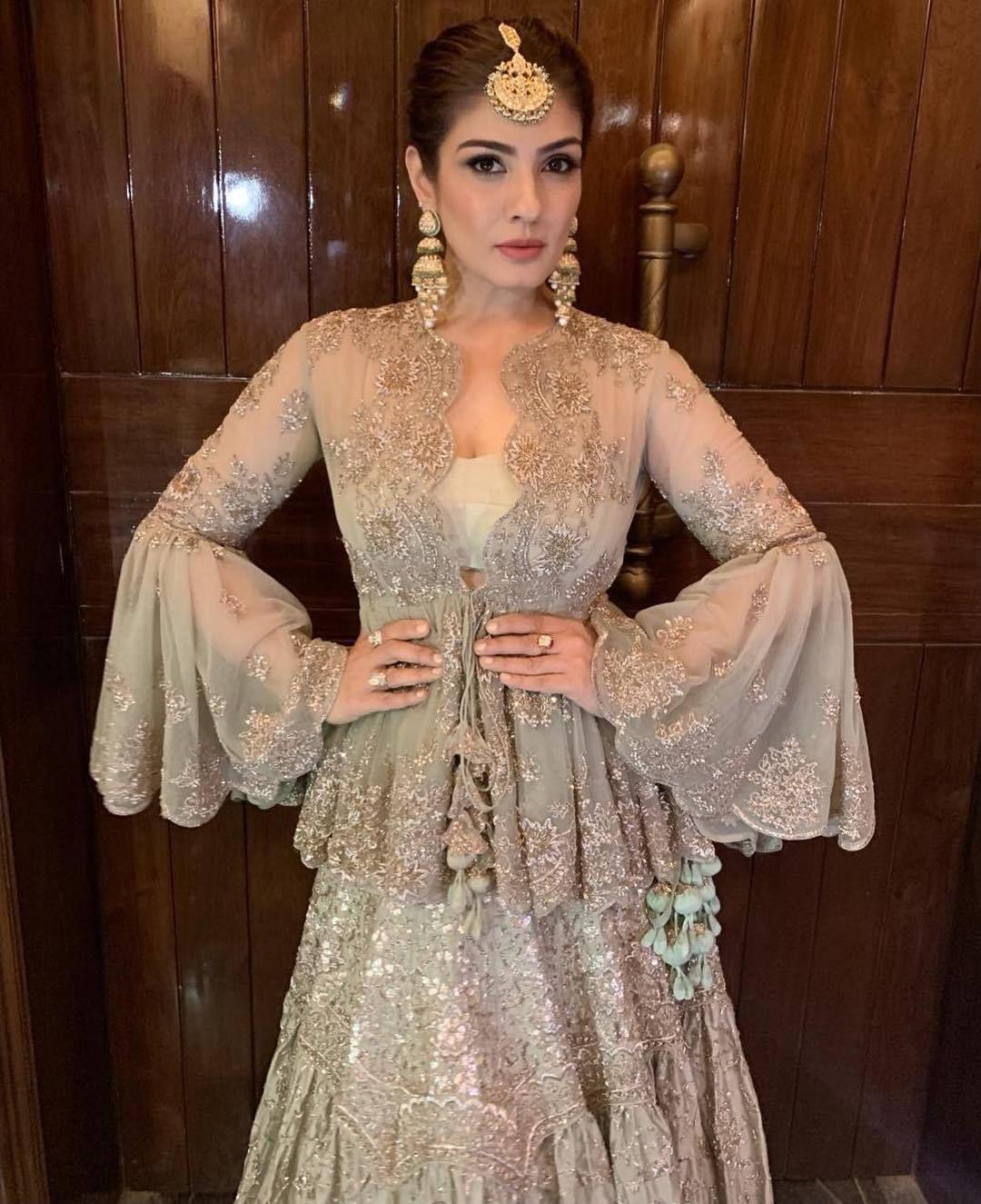 Hindu Bridal Hairstyles 14 Safe Hairdos For The Modern: Gorgeous Raveena Tandon At Akash Ambani Wedding Ceremony