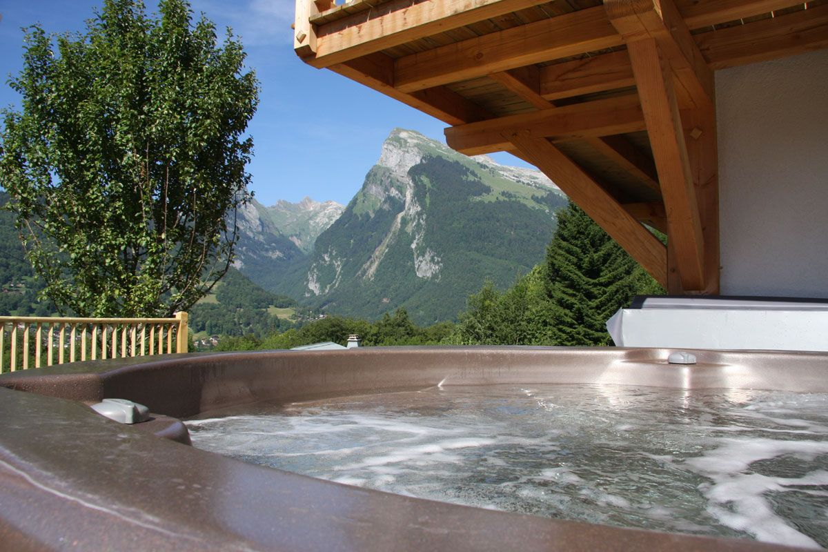 hot tub dreaming in the snow hot tubs pinterest hot tubs tubs and ski chalet. Black Bedroom Furniture Sets. Home Design Ideas
