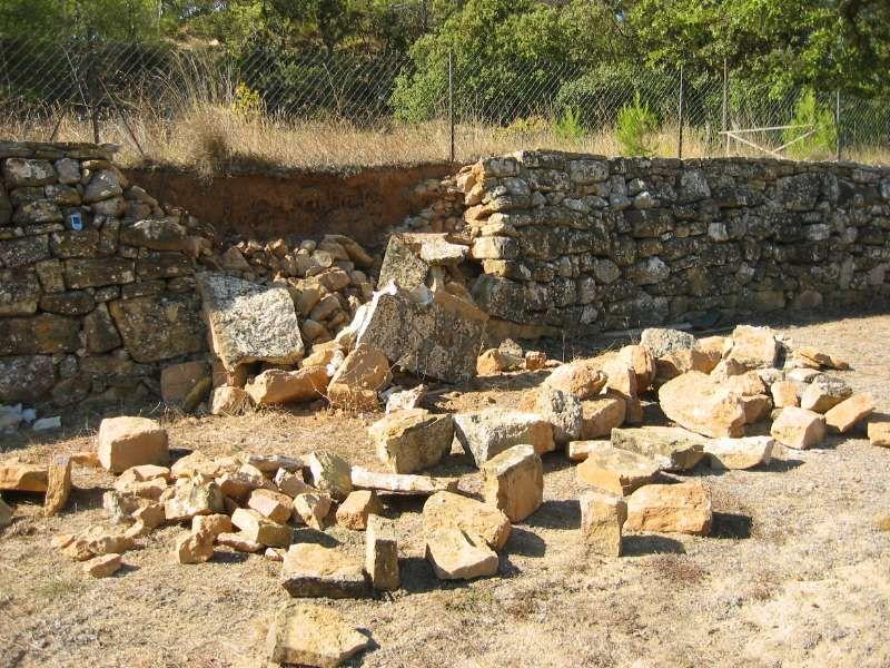 Escalier en pierre sèche dans une restanque Kipróbálandó projektek - Enduire Un Mur Exterieur En Parpaing