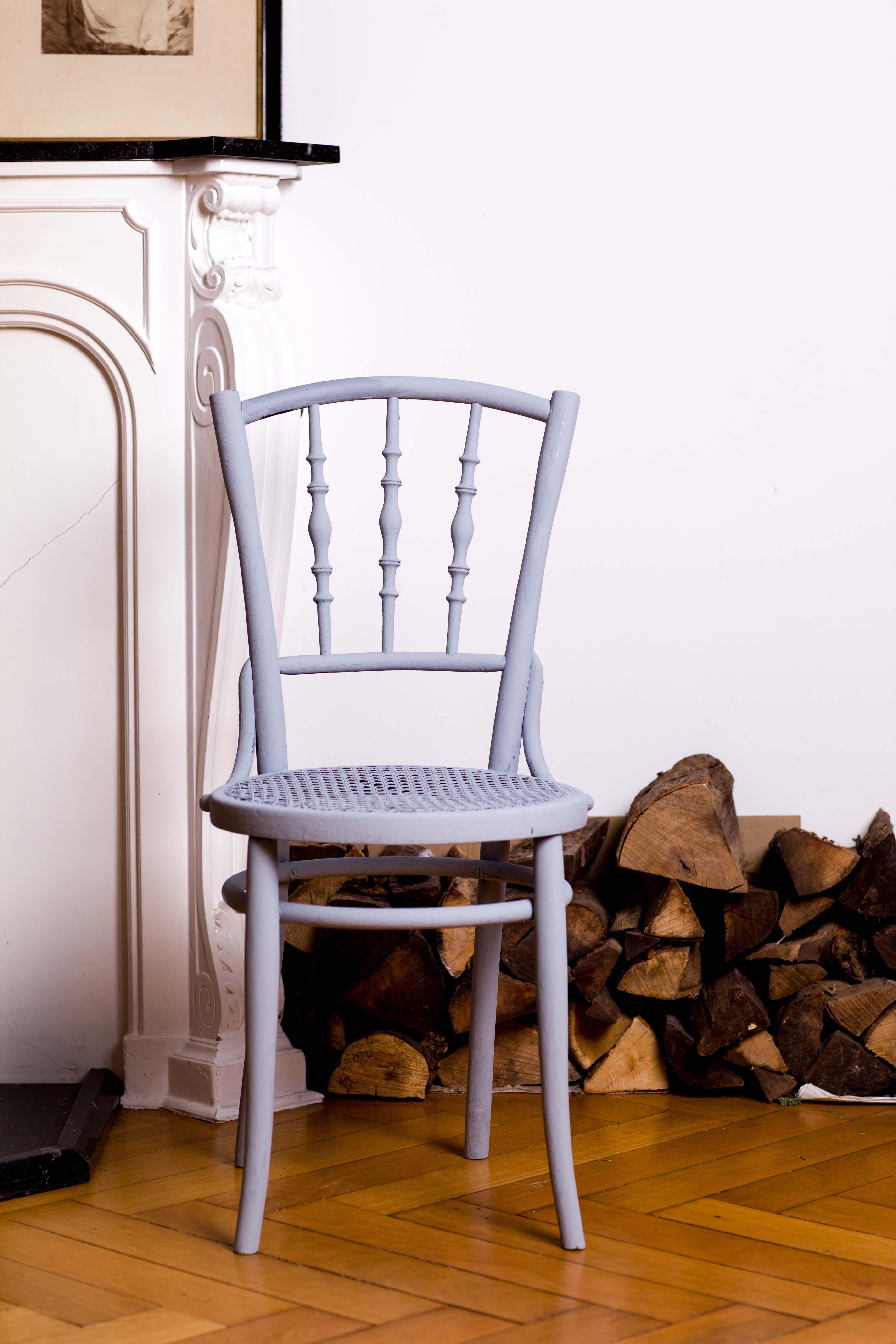 Stühle Streichen alter stuhl mit kreide emulsion im farbton gustav gestrichen