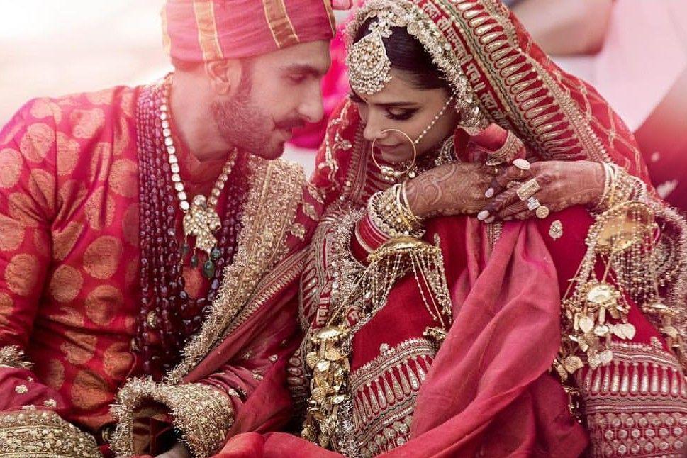 Deepika And Ranveer S Wedding Traditional Sindhi Wedding Deepveer Ki Shaadi Deepika Ranveer Bollywood Wedding Indian Wedding Photography