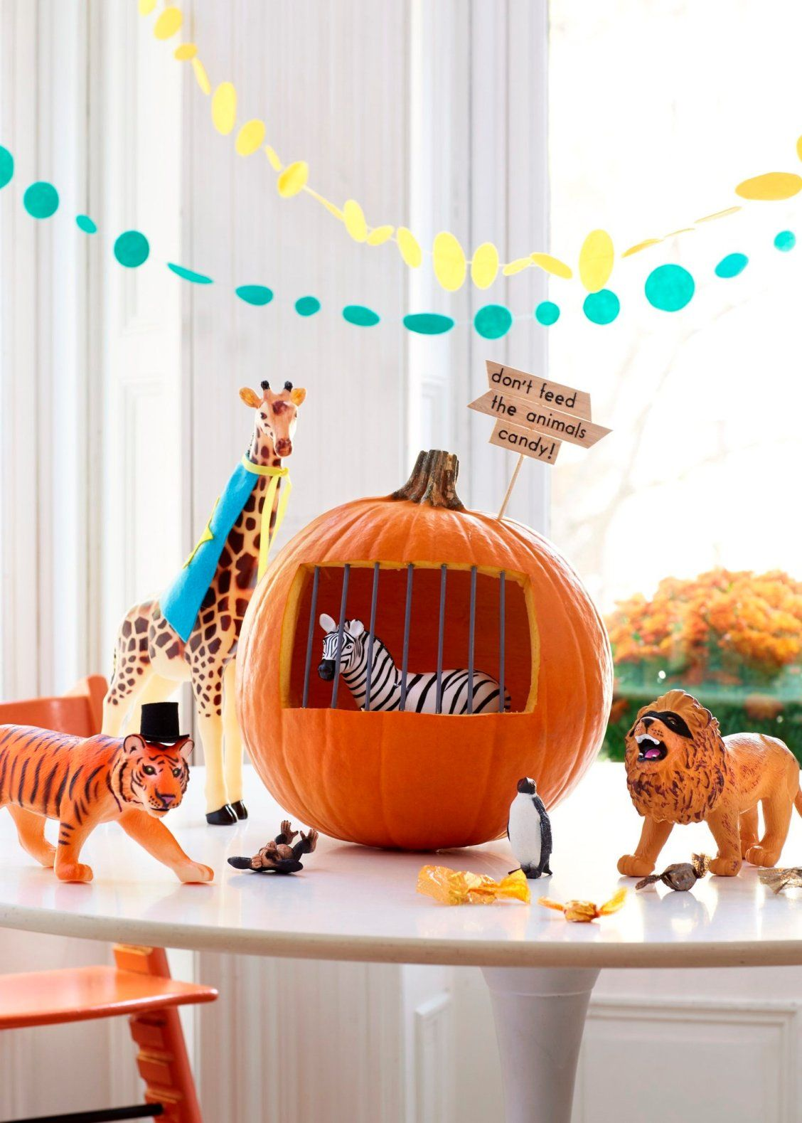 6 Adorable Ways to Decorate Halloween Pumpkins with Kids Pumpkin