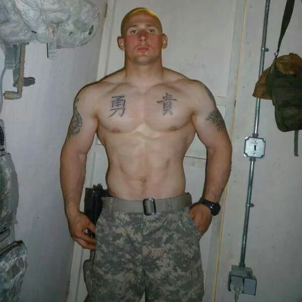 pic stud military Gay