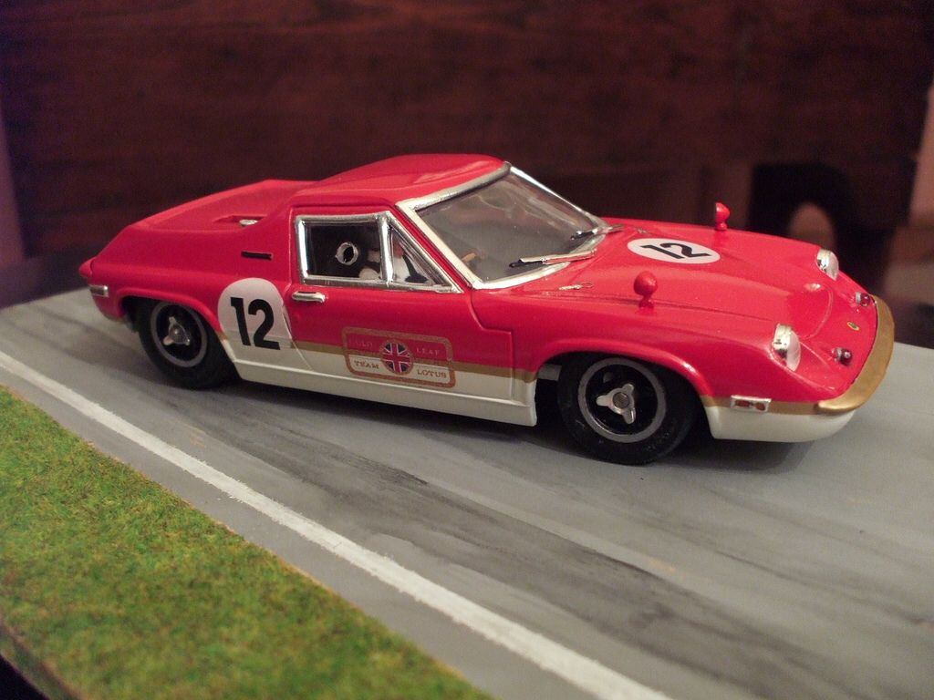 Lotus Europa Gold Leaf 1-24 Slot Car | Slot Cars Collection ...