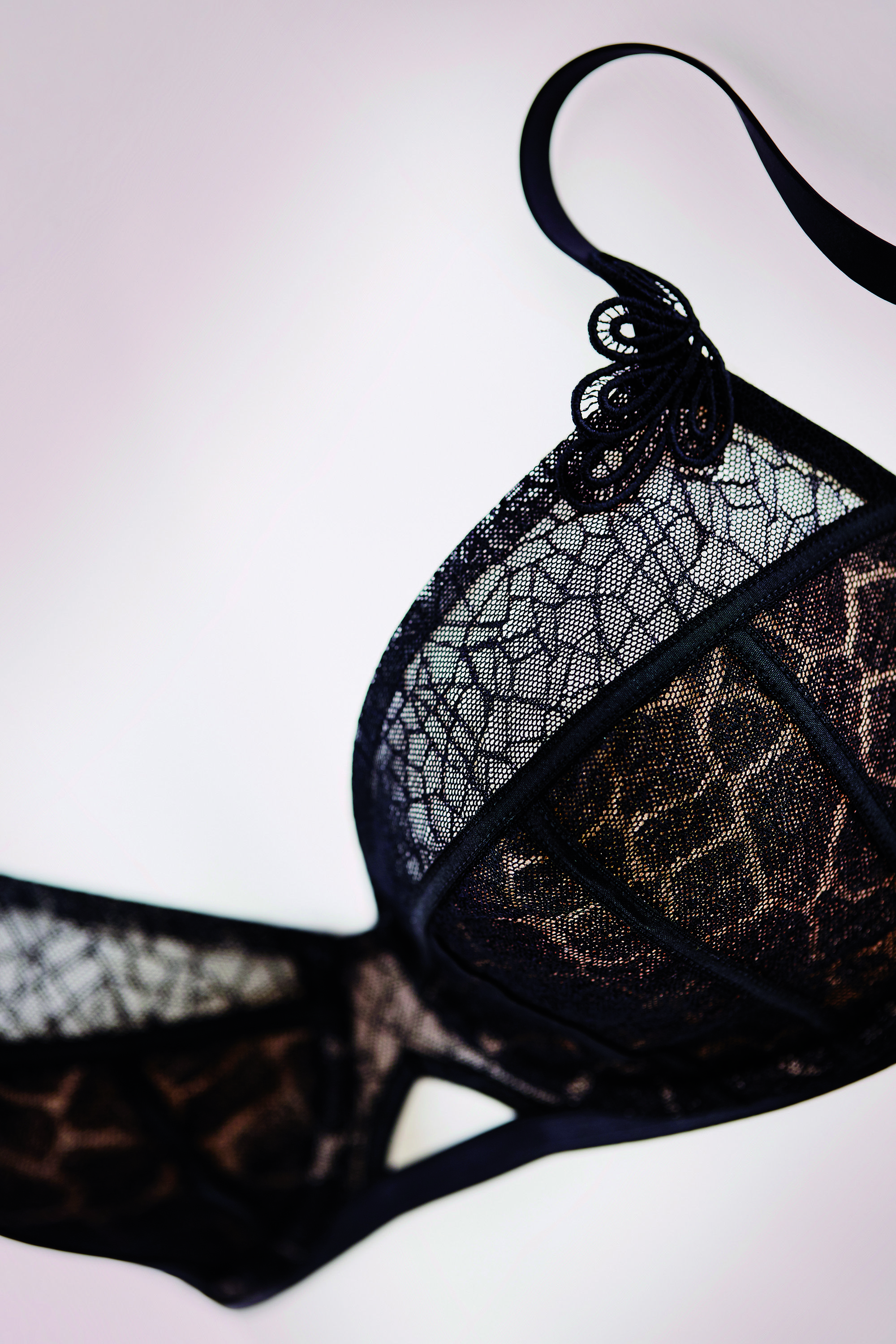 Idealist Essence.. Ideal Christmas Present #Lingerie Pictured ...